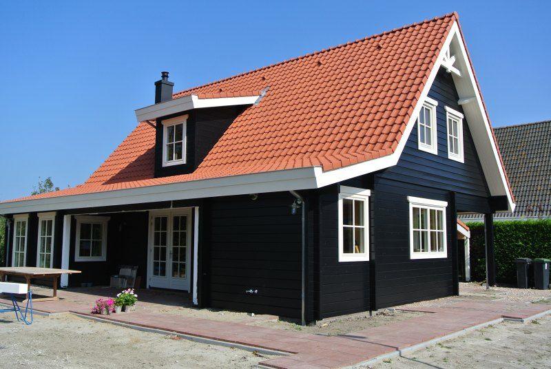 Houten Woning Ideeen : Finnhouse 3680 domburg loghouse met veranda houten huizen