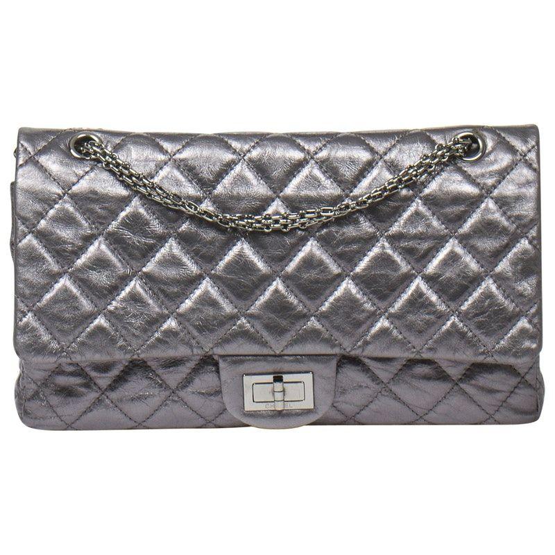 de2a5c31d9bc metallic Plain Leather CHANEL Handbag - Vestiaire Collective | My style