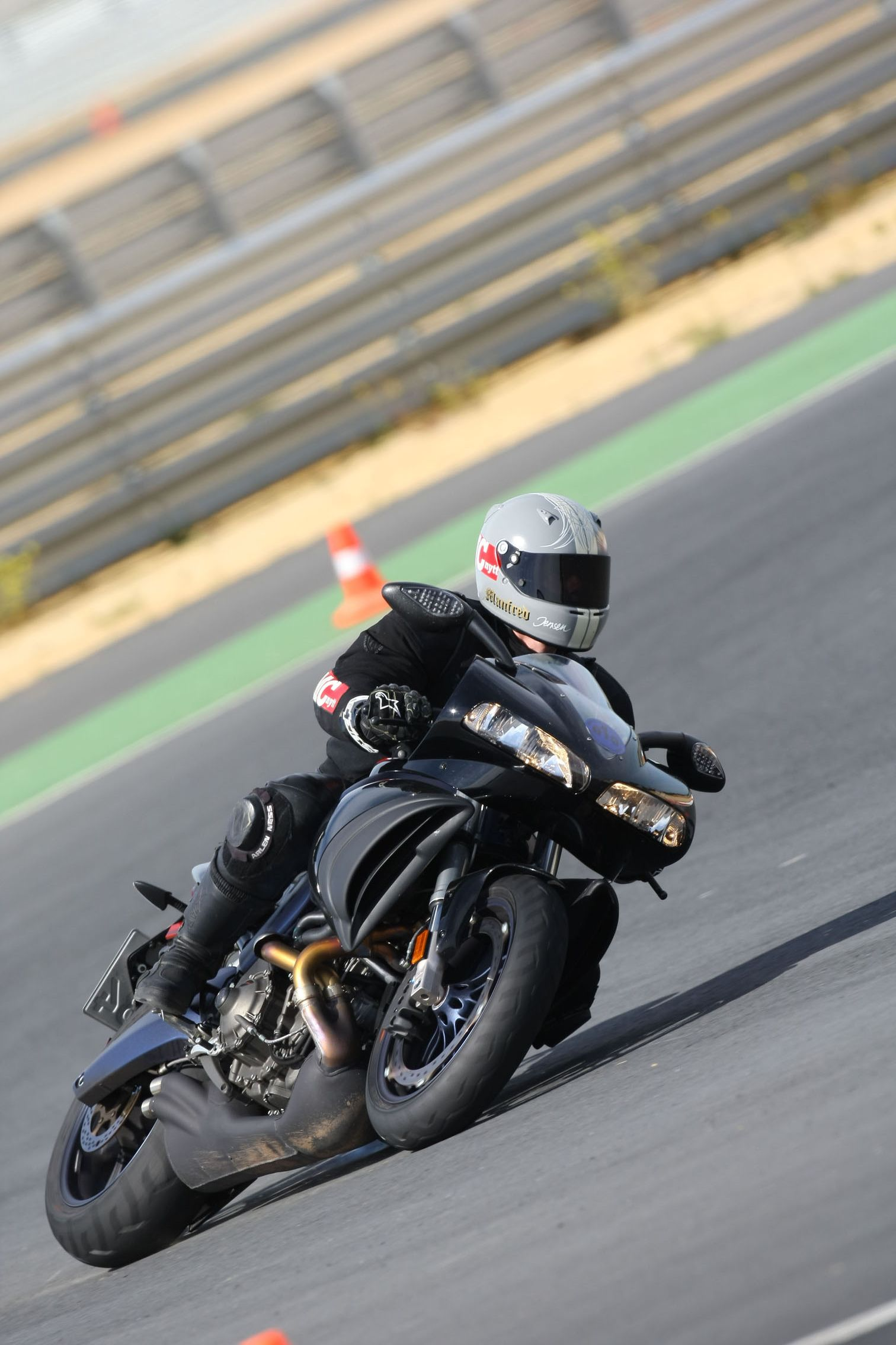 Circuito Monteblanco : Buell 1125 cr circuito de monteblanco rumblerblog pinterest