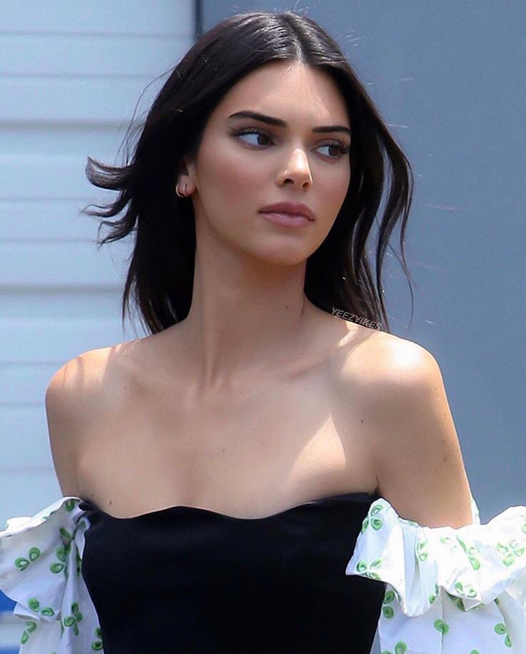 Kendall Jenner Shared By Arianna Baraiolo On We Heart It Kendall Jenner Outfits Kendall Jenner Street Style Kendall And Kylie Jenner
