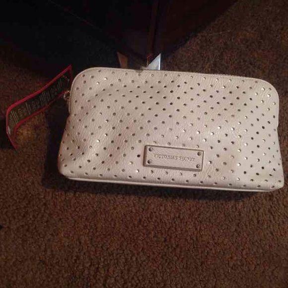 Victoria Secret Cosmetics bag! Victoria Secret Brand New Cosmetics Bag Victoria's Secret Bags Cosmetic Bags & Cases