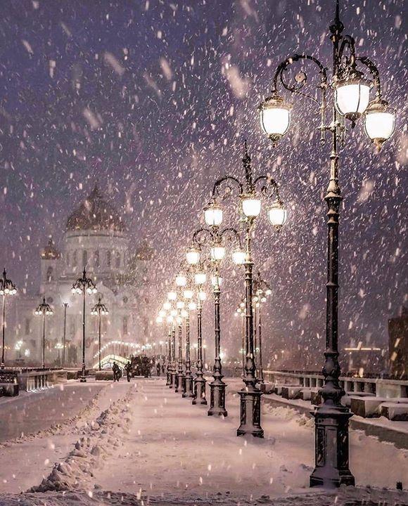 Snow in Patriarshy Bridge, Russia