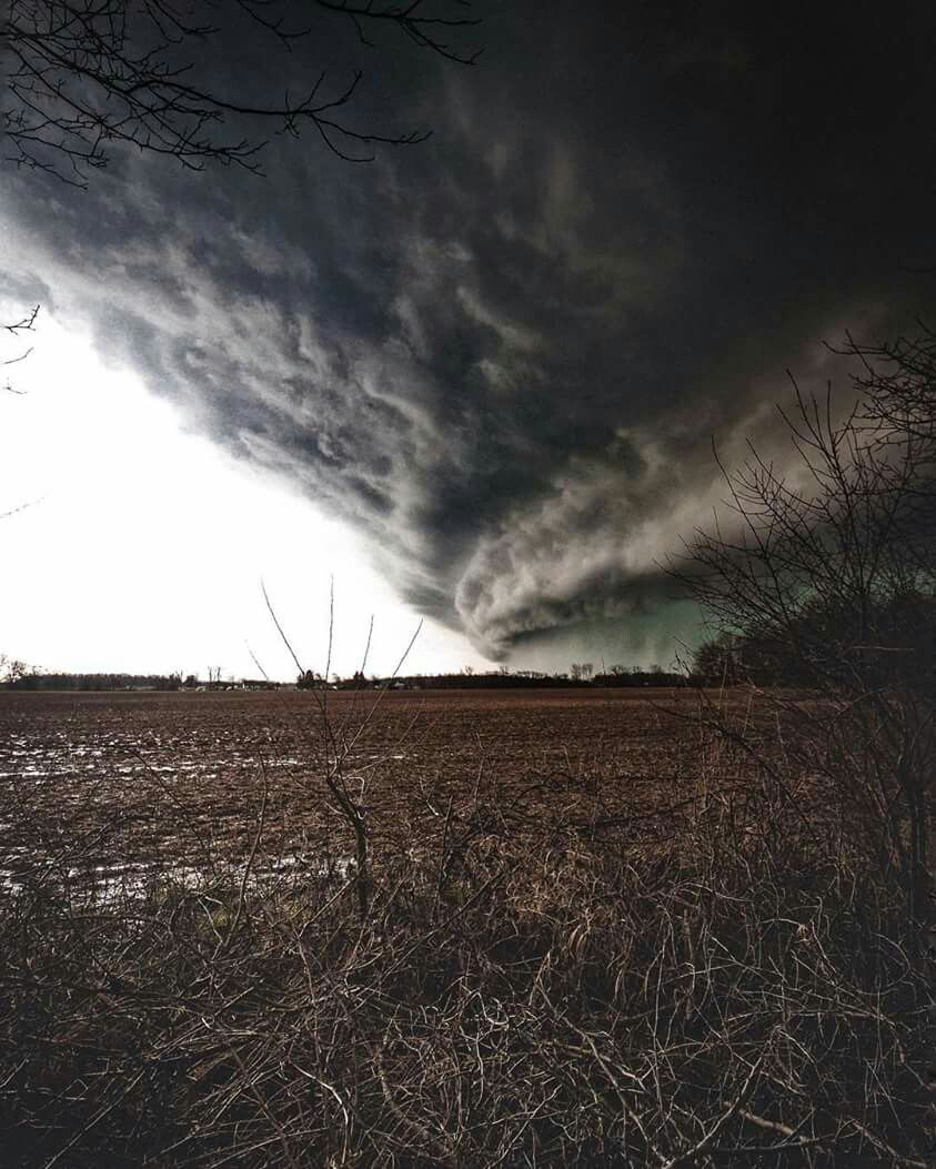 wall cloud from storm approaching grove city ohio april 2 on wall cloud id=77509