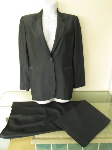 Ann Taylor Petite Navy Blue Pant Suit One Button Blazer 10 Petite Wool blend.  Suit is new and Gorgeous!   #careerwear