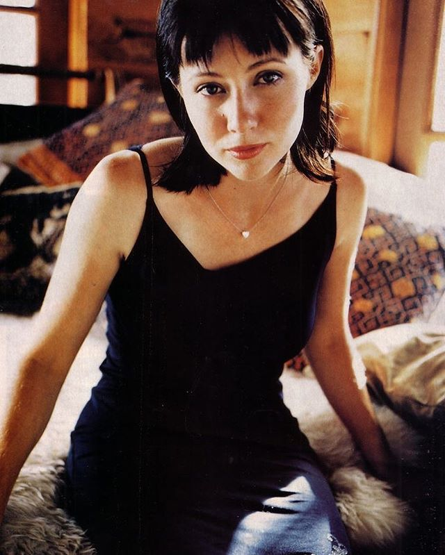 Pin By Casey Day On Shows I Like In 2020 Shannen Doherty Shannen Doherty Charmed Charmed Tv Show