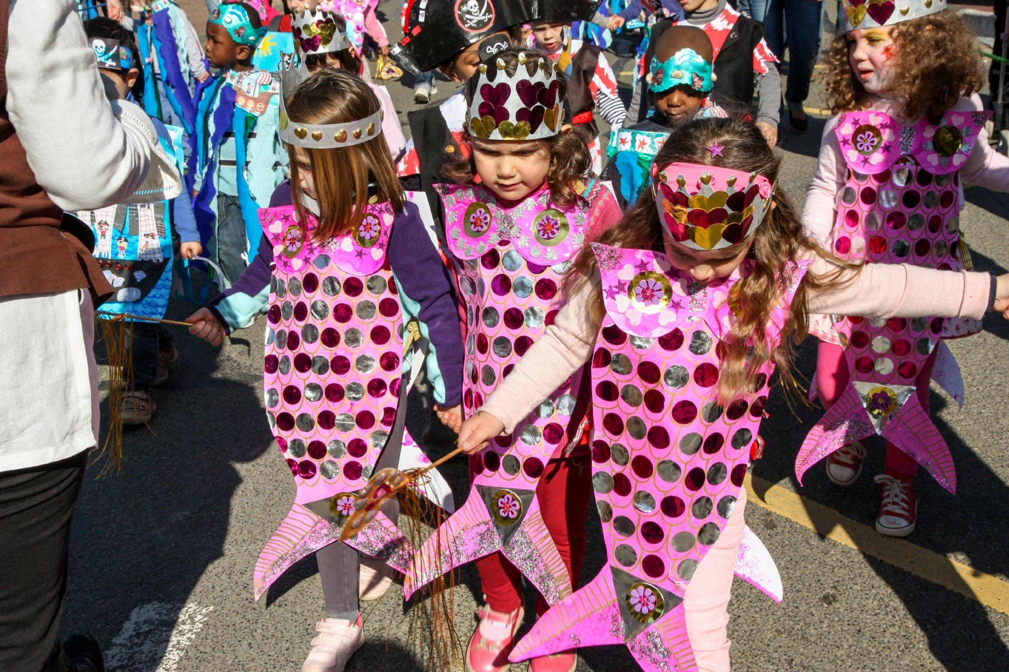 Deguisement poisson google carnaval mer pinterest deguisement poisson - Theme de deguisement ...