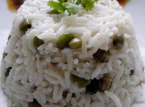 Panamanian Food Arroz Con Coco Y Guandu Rice With Pegeon Peas