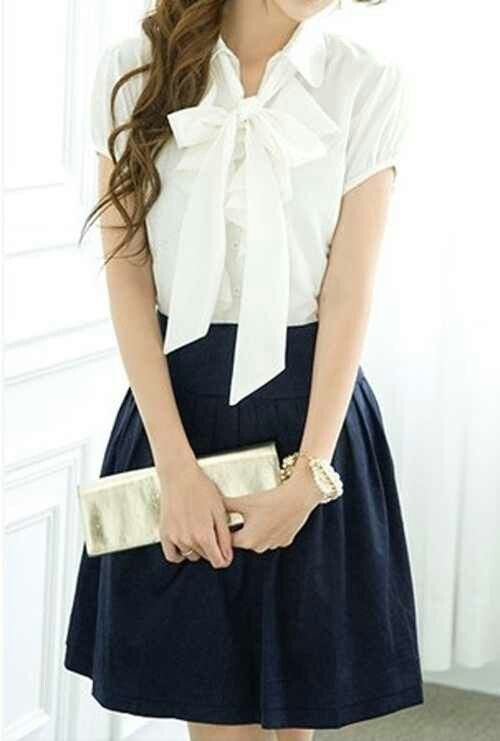 Pretty blouse and skirt with metallic accessories