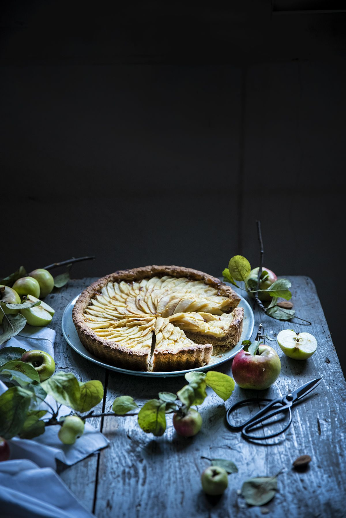 Apple Tart With Almonds Dates And Oats