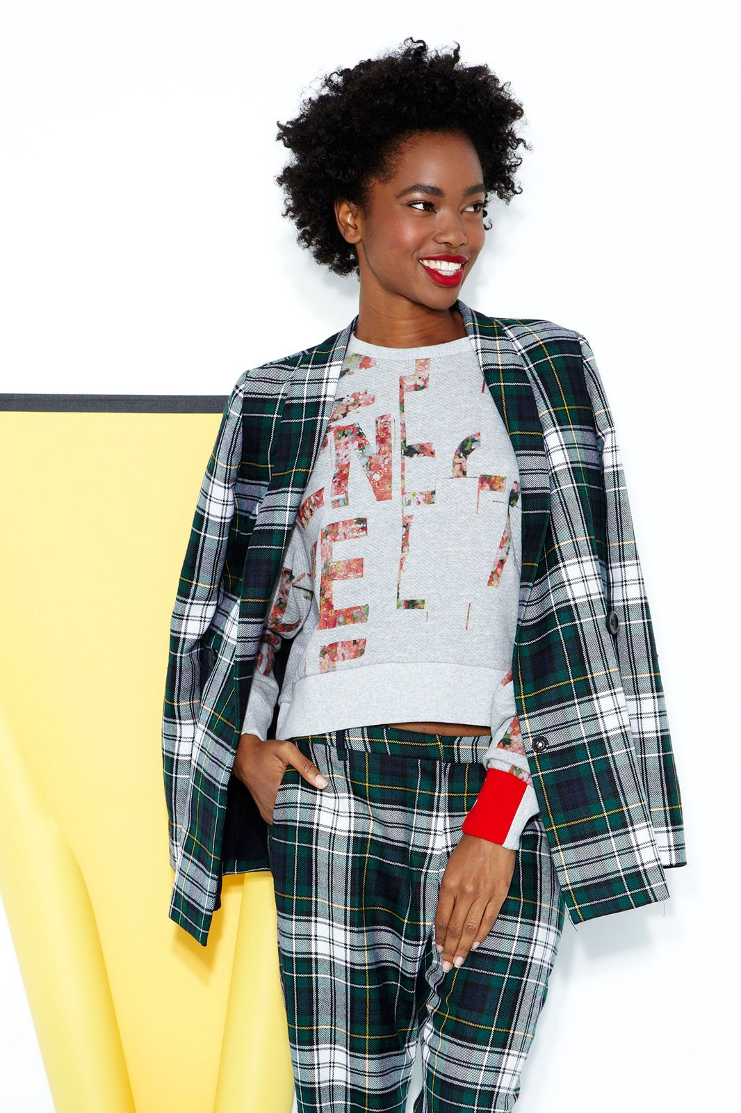 6 Outfits Featuring The Fancy Sweatshirt #refinery29