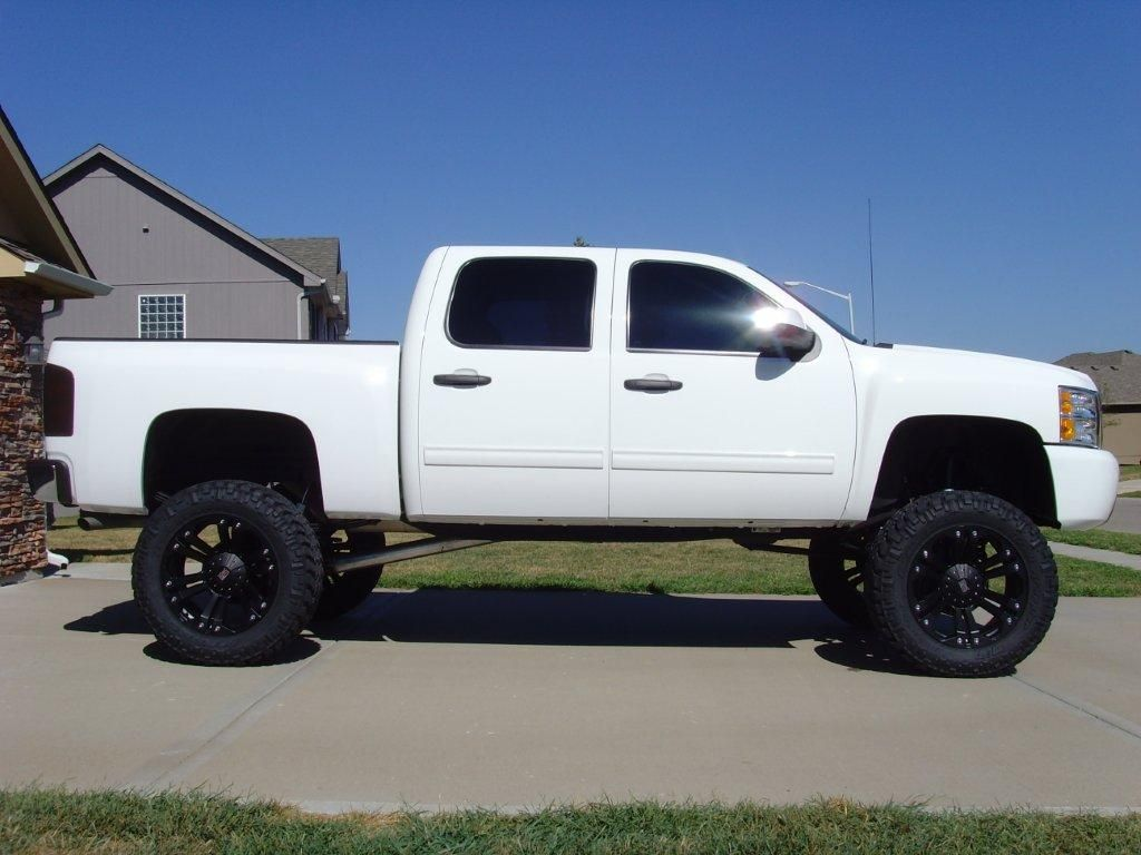 White 2008 Chevy Silverado Lifted Www Imgkid Com The