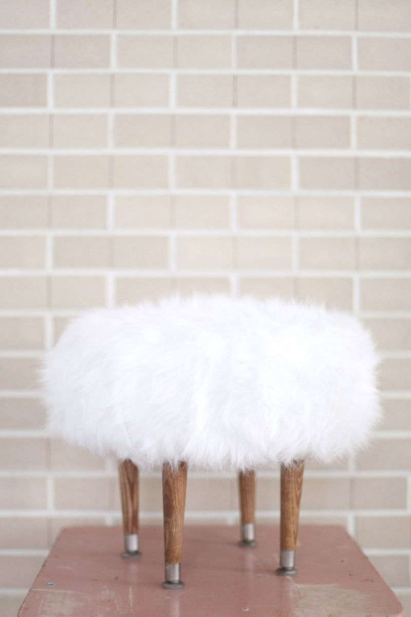 Make Your Own Faux Fur Footstool & Diy Faux Fur Vanity Stool tutorial | CRAFTY u003e!u003c SO CRAFTY ... islam-shia.org