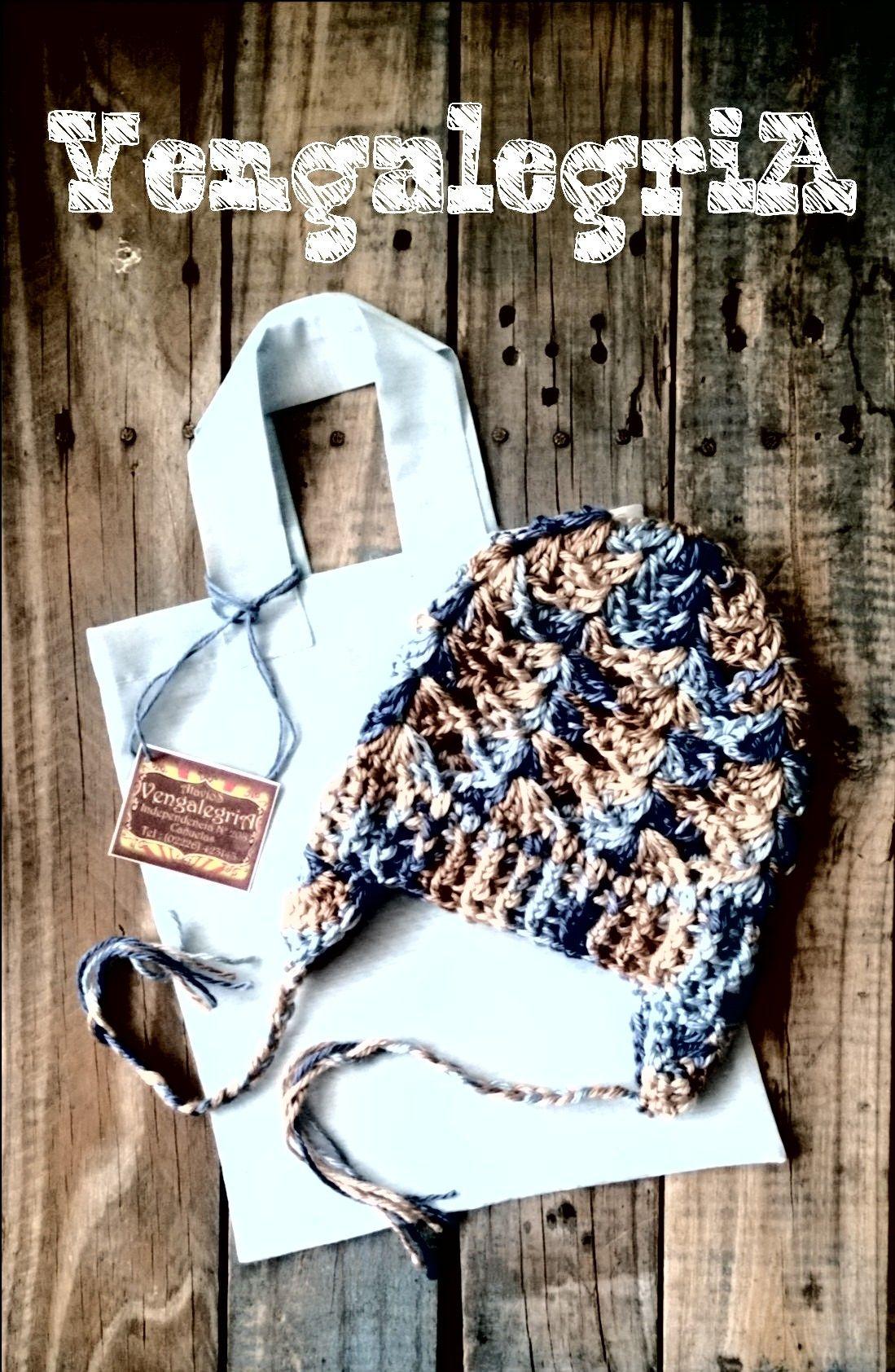 Gorrito en lana sedificada con bolsita de tela ecológica ( 100% material reutilizado )