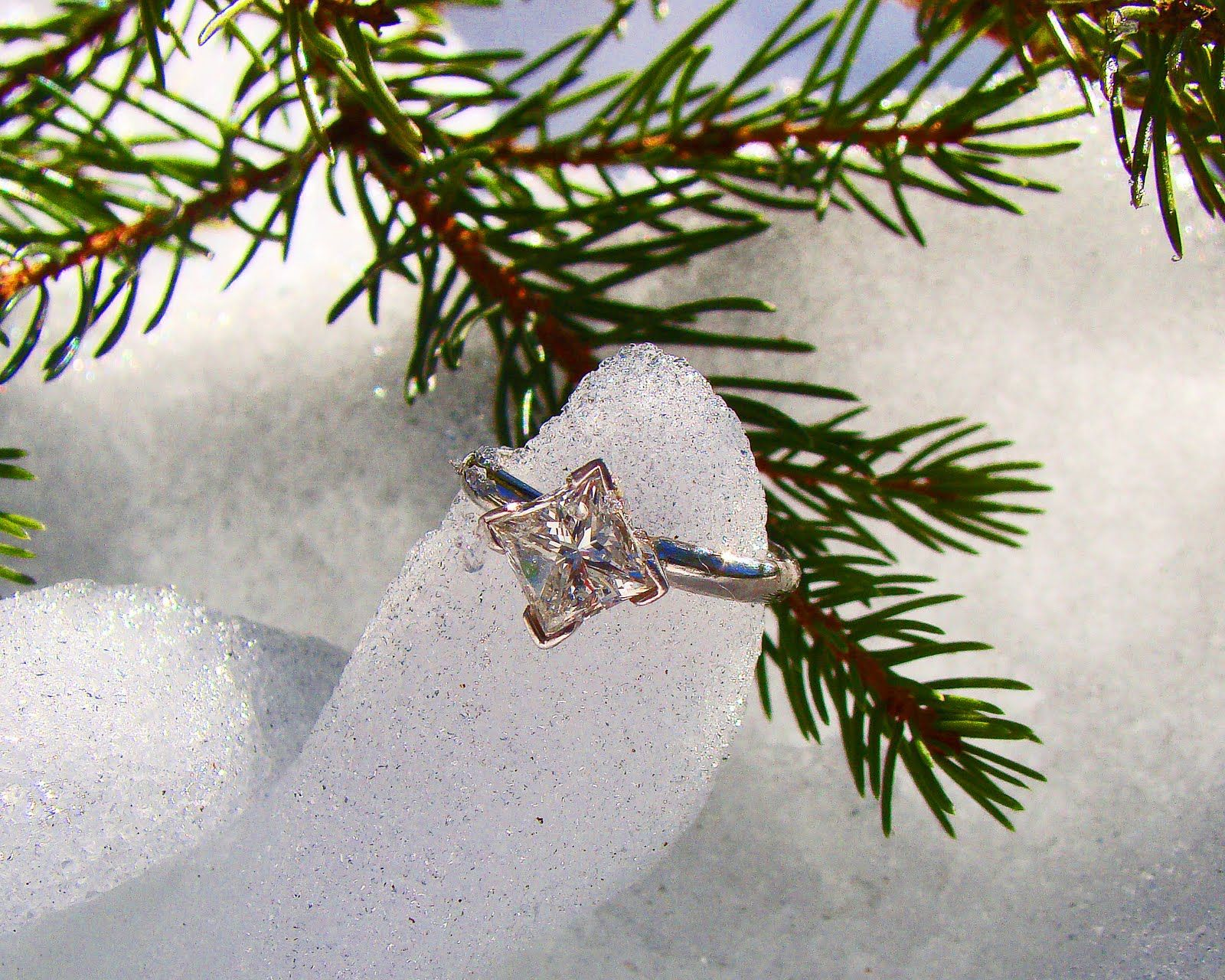 Engagement Ring... I've talked about having one on an angle like this... nice to see it outside of my head!