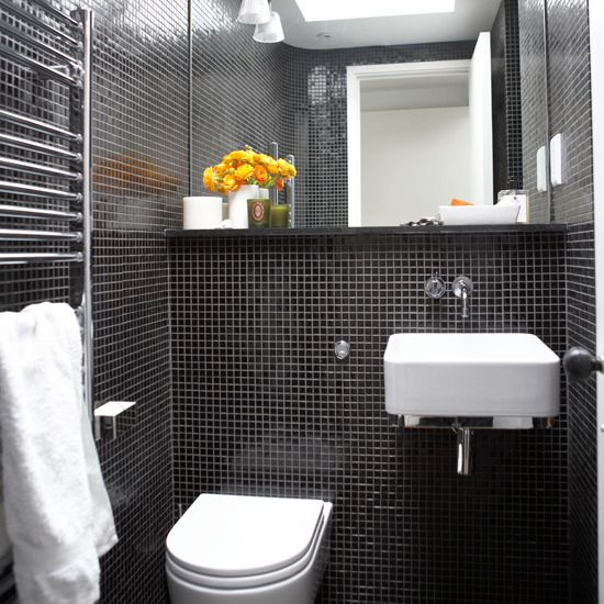 Although The Presence Of Bathroom At Home Is Not As Important As Other Rooms Stunning Simple S Black Tile Bathrooms Bathroom Design Small White Bathroom Tiles