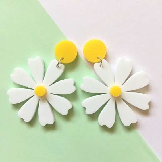 festival matching and drop silver flower wear earrings it ethereal features gold a daisyearrings the rose daisy will collection bring to twist outfit stud your with romantic