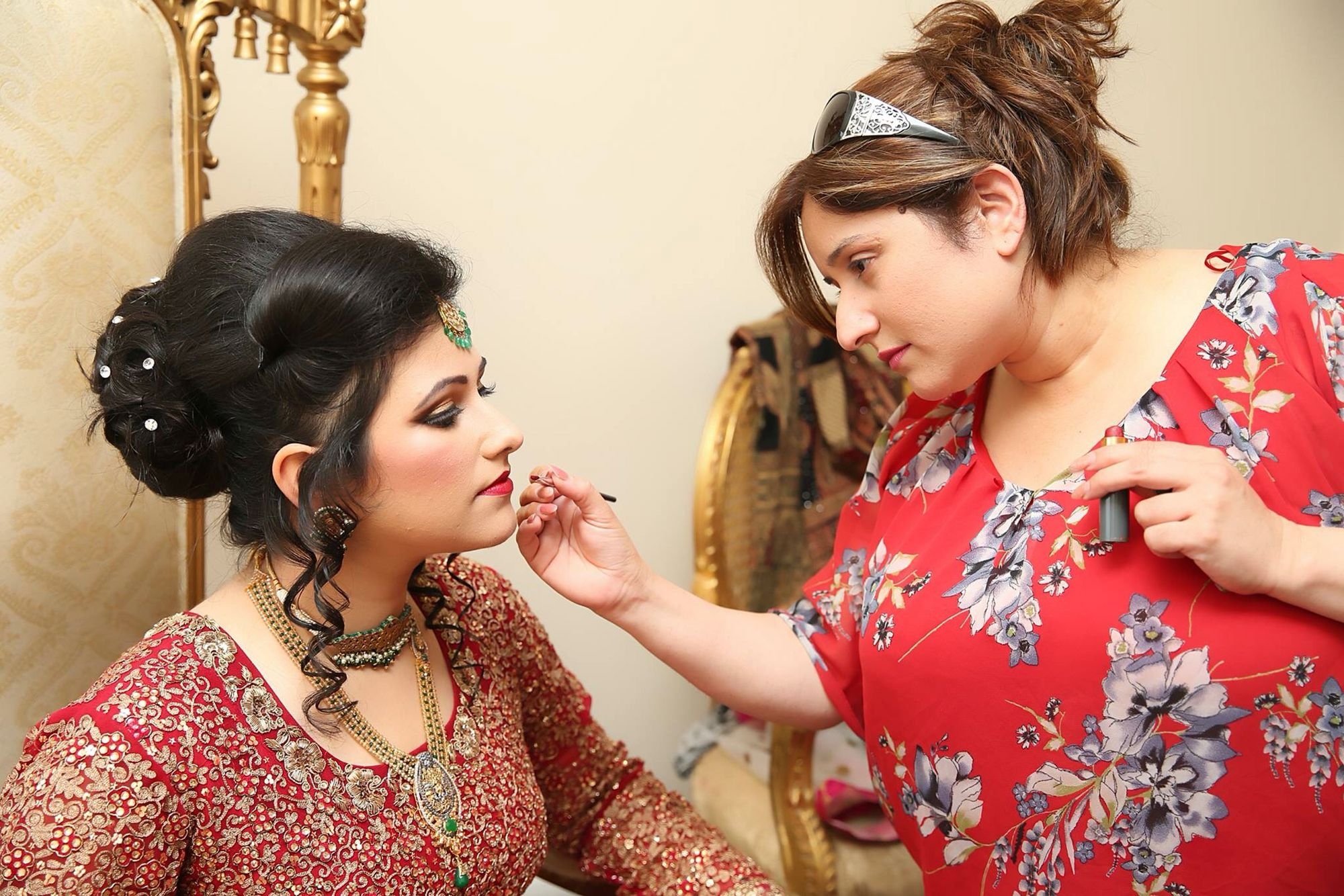 Uzma S Mehndi Makeup : Getting an asian bride ready for her wedding