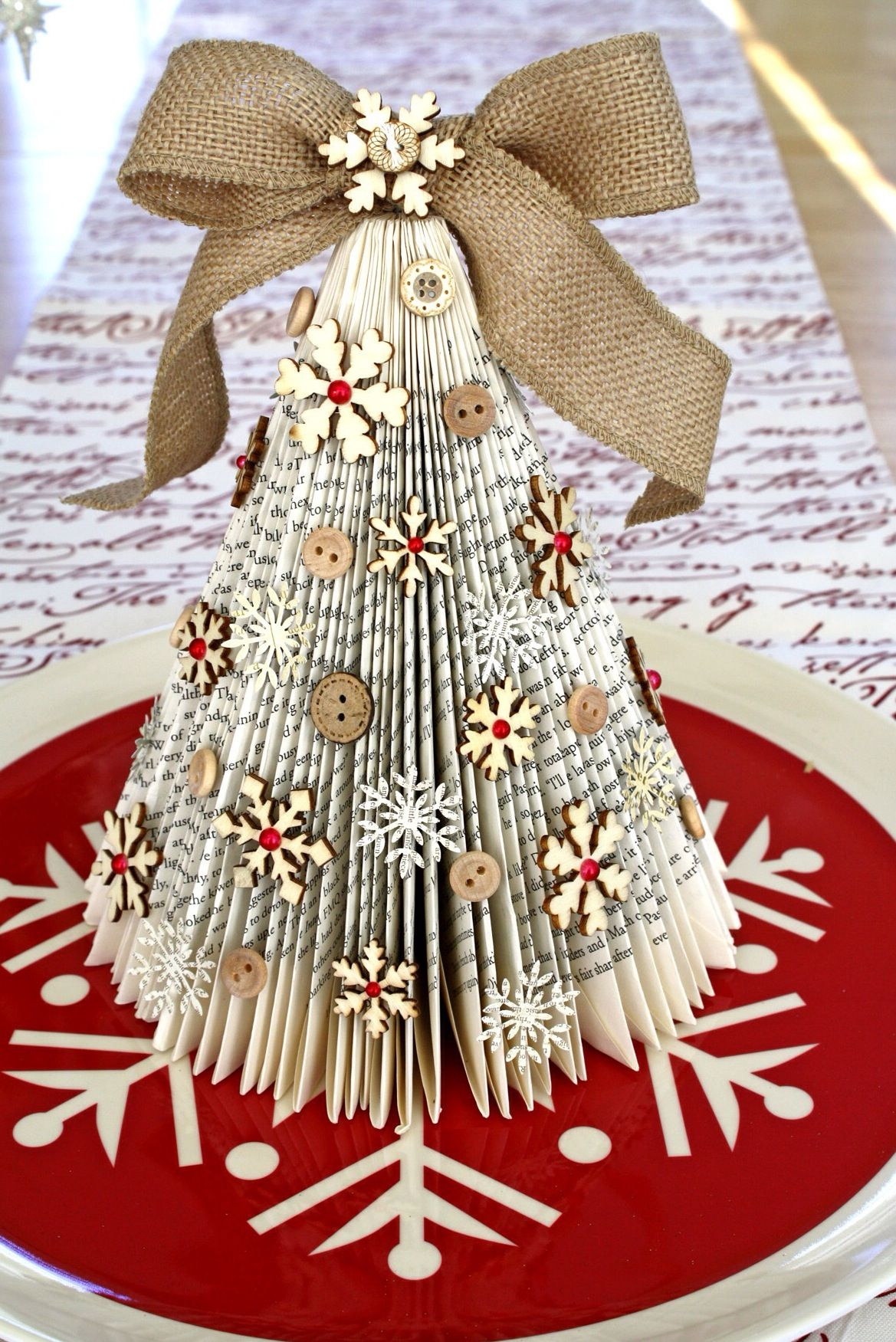 Christmas Crafts And Decorations Book Themed Ideas A Book Long Enough Activite Manuelle Noel Deco Noel Noel