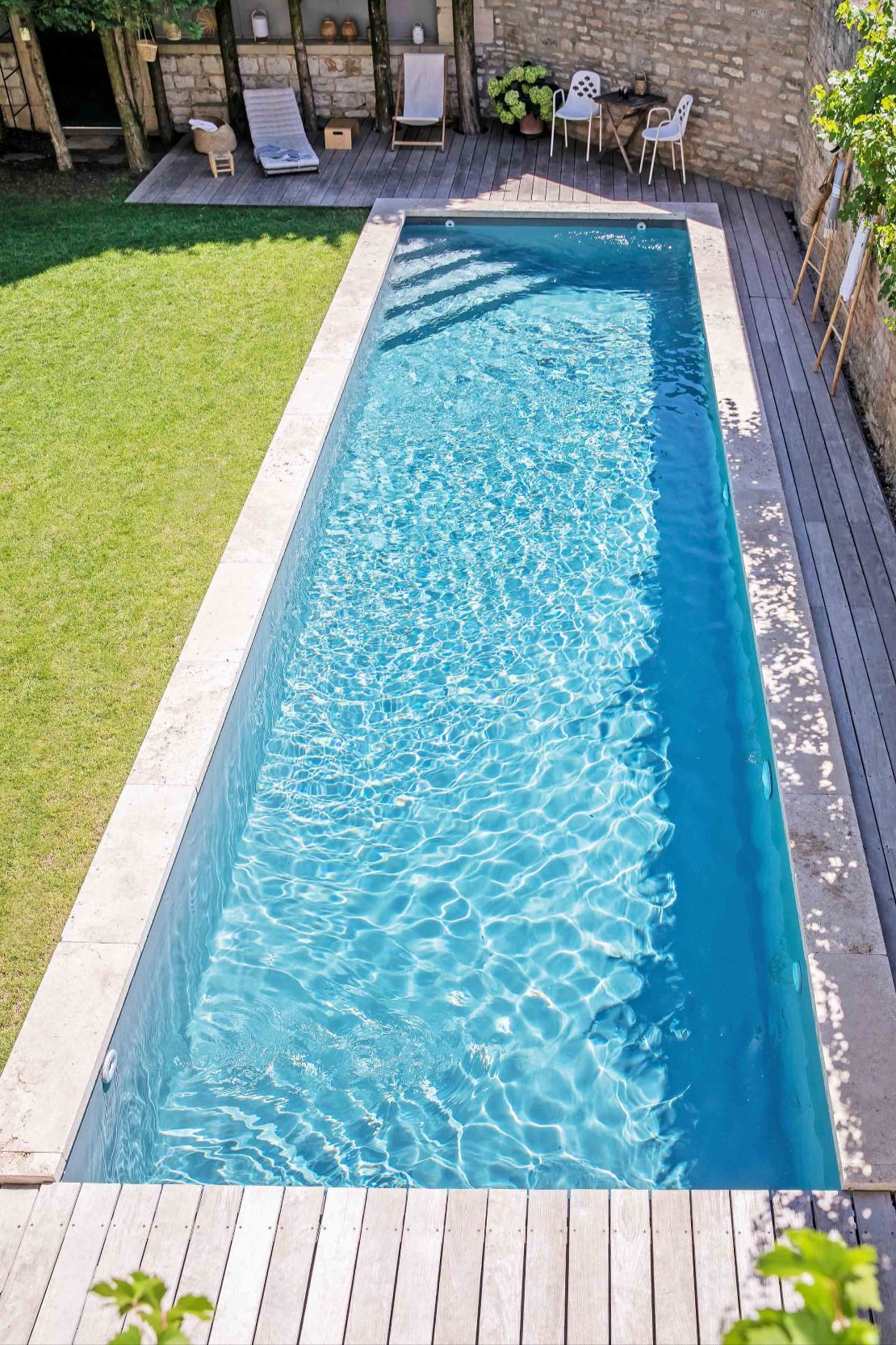 Mediterrane Garten Und Poollandschaft In 2020 Gartenpools Garten Pool Im Garten