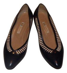 e5bfee1d0 Gucci Nautical Look Recently Re-heeled Almond Toes Open Weave Trim Mint  Vintage Navy & White Pumps