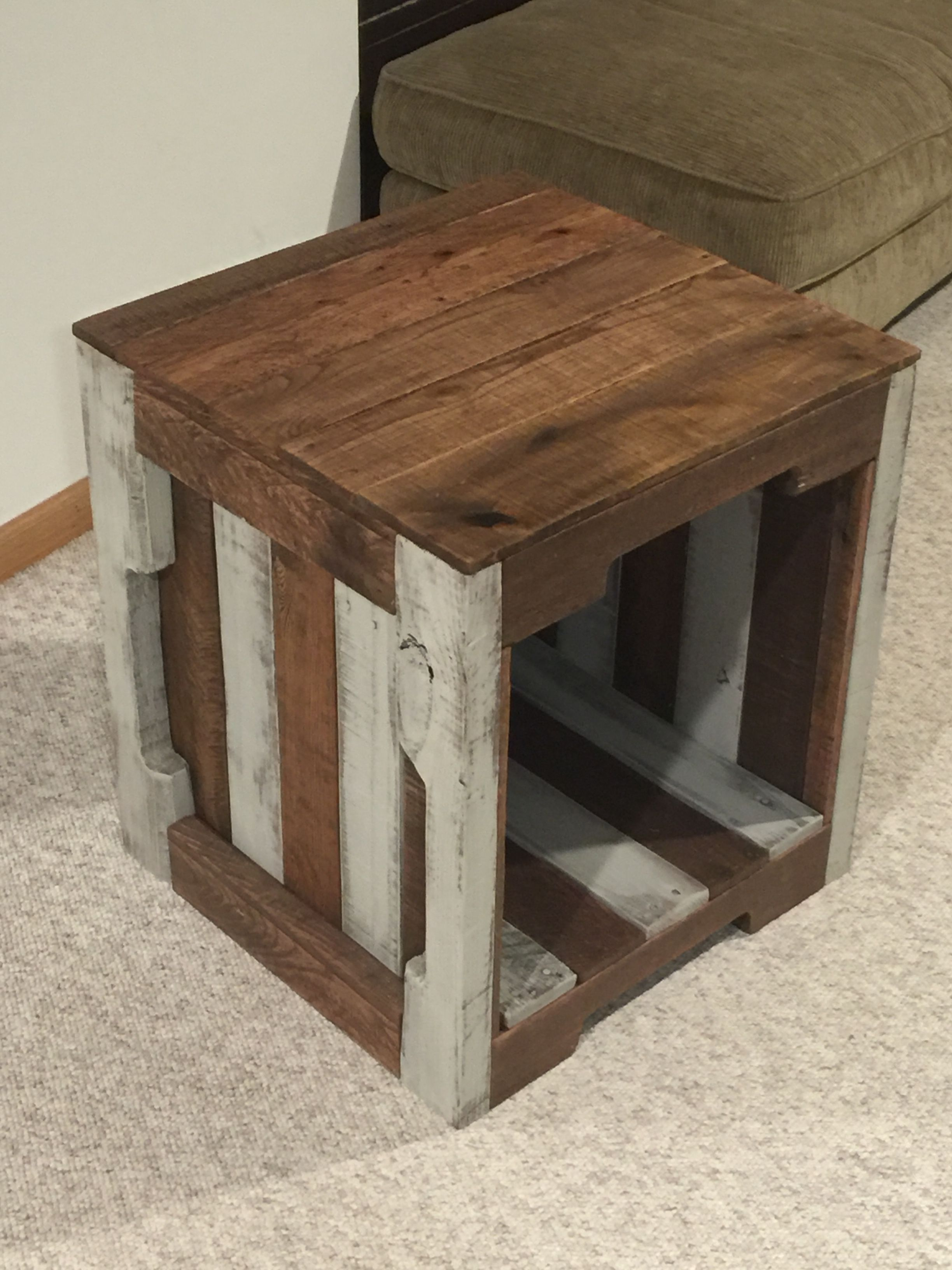 Made A Matching End Table To Go With The Tv Stand My Pallet Tv