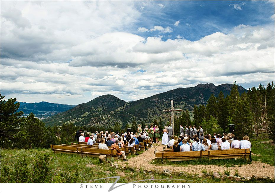 mountain wedding ceremony at ymca of the rockies estes