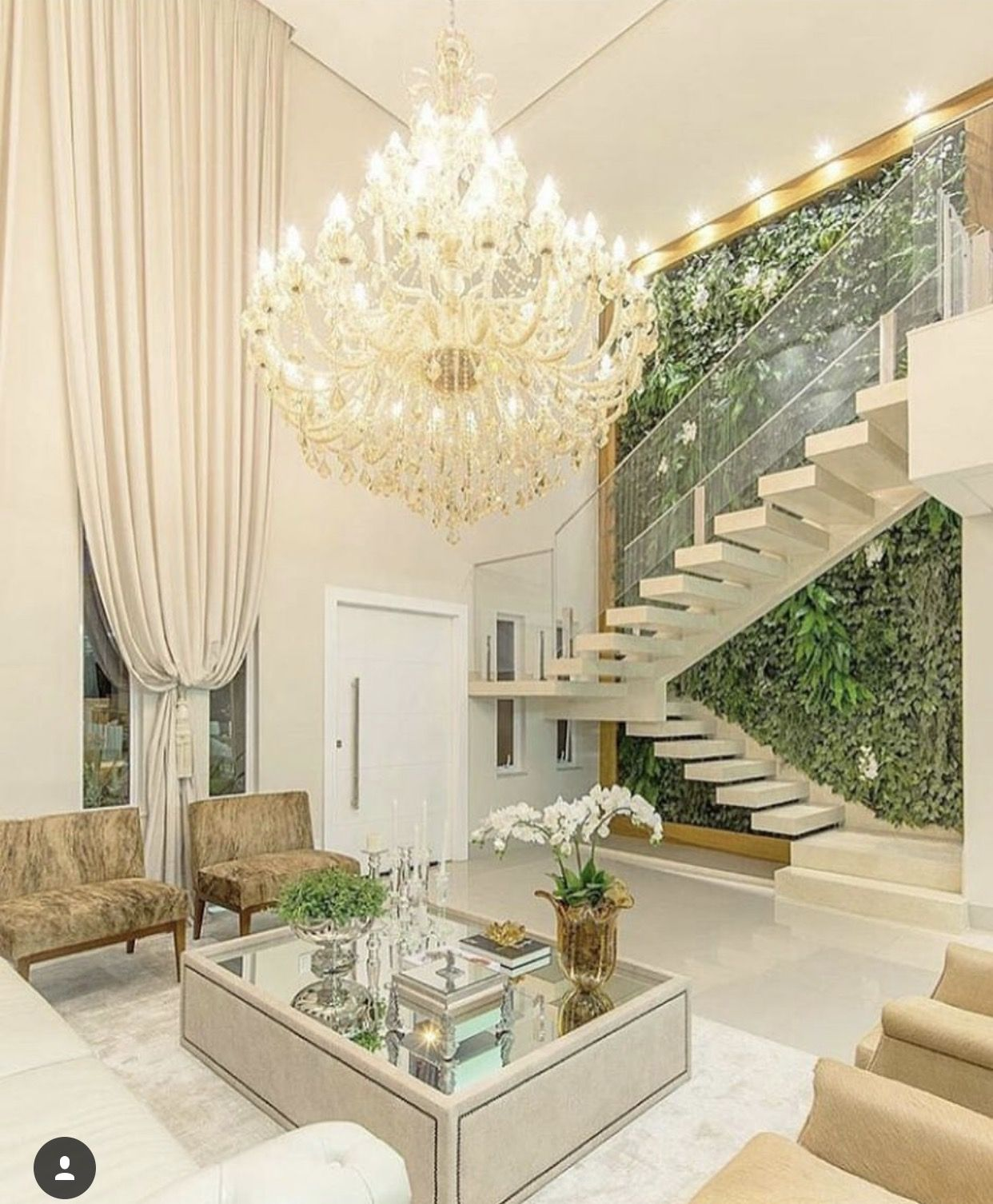 Pin Do A Maria Jos Couto Em Escadas Pinterest Ambientes  -> Lustres Para Sala De Teto Alto