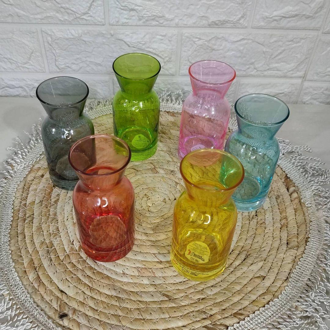 بيت العائلة On Instagram قارورات الوان 6 قطع السعر ١٢ الف دينار توصيل بغداد ٥ الاف المحافظات ٧ الاف بيت العائلة تسوق تسوق اونلاين Glass Vase Glass Vase