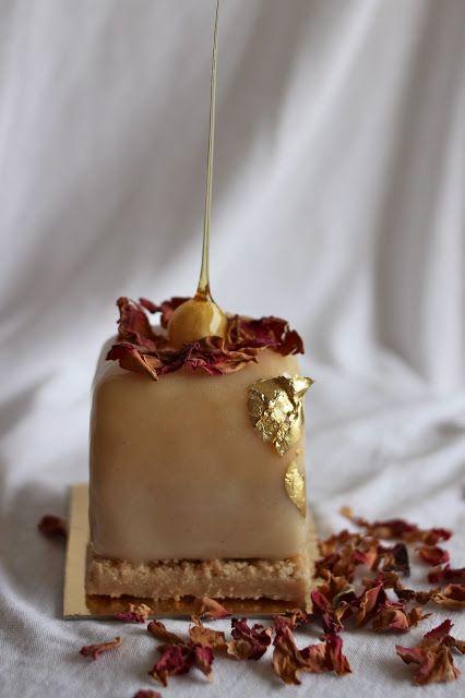Welcome to Talita's Kitchen: A floral wedding dessert #plating #presentation
