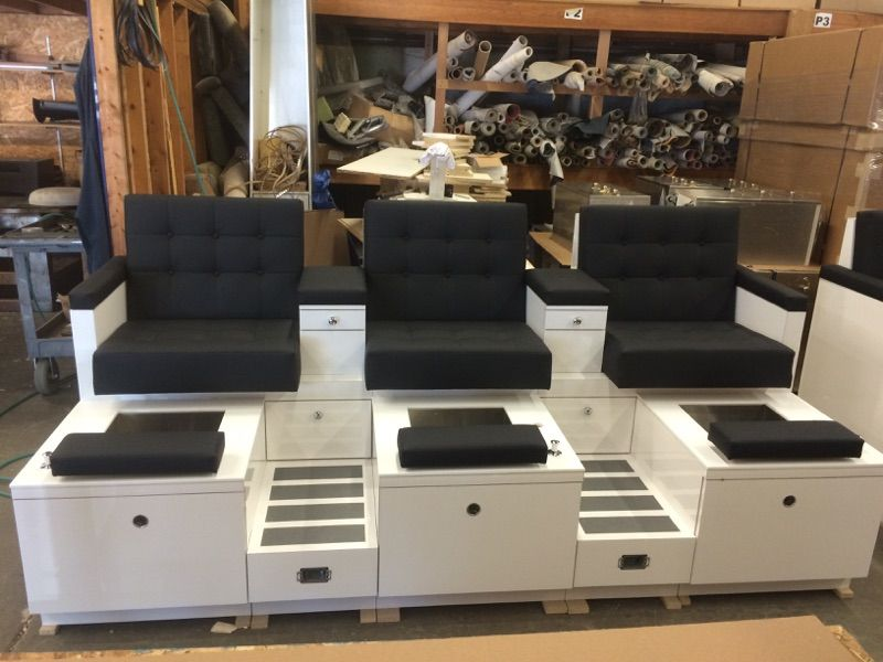 Check Out The Deal On Triple Monticello Clearance At Design X Mfg   Salon  Equipment,
