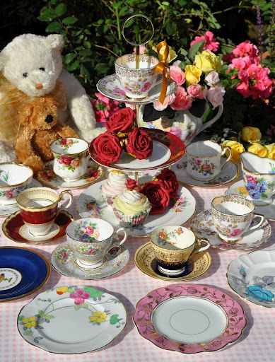 Childrens Vintage Tea Set and Cake Stand by cake-stand-heaven, via Flickr