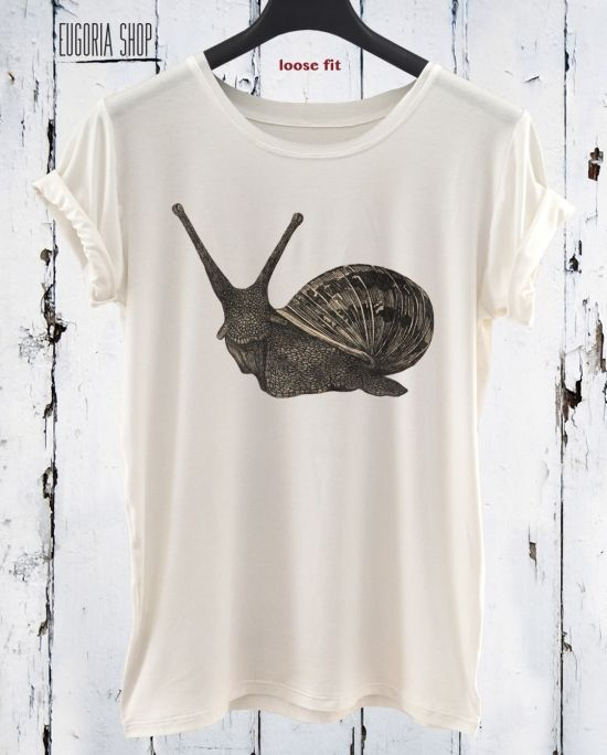 New Collection Snail T-Shirt / White Tshirt Screen Printed / Animal Apparel / Custom Tank Top by Eugoriashop