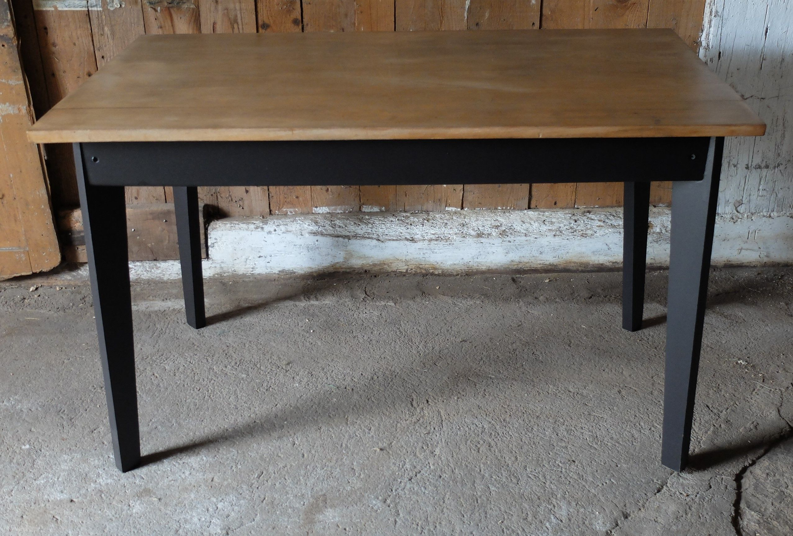 Table Bistrot Bois Renovee Selency Repeindre Table Bois Table Bois Table Renove