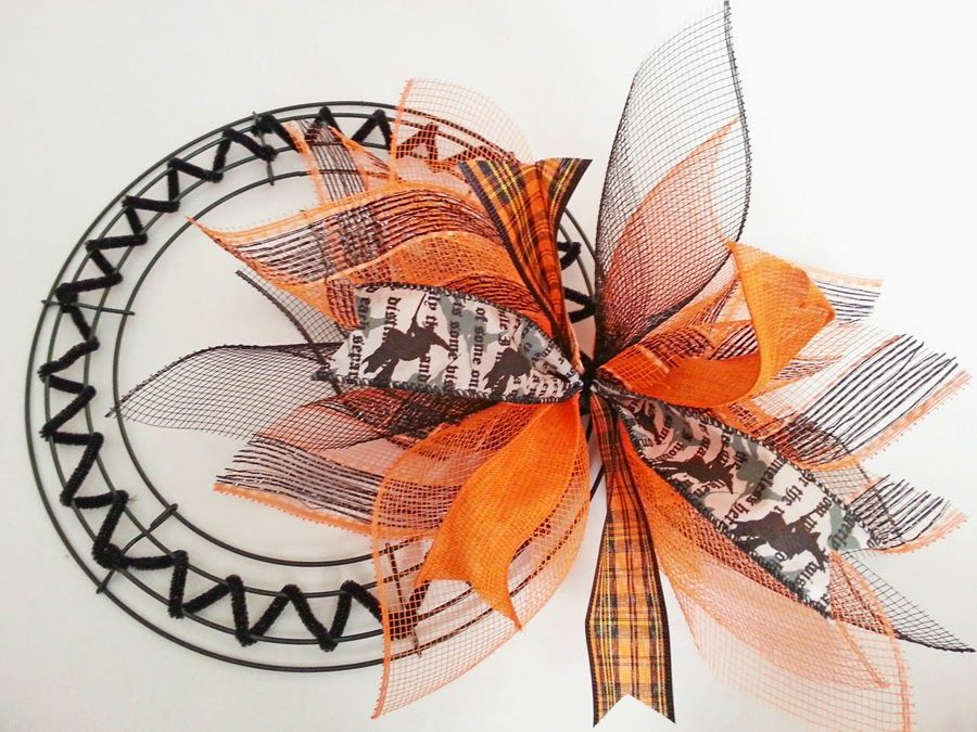 How to Make a Deco Mesh Sunburst Wreath #decomeshwreaths