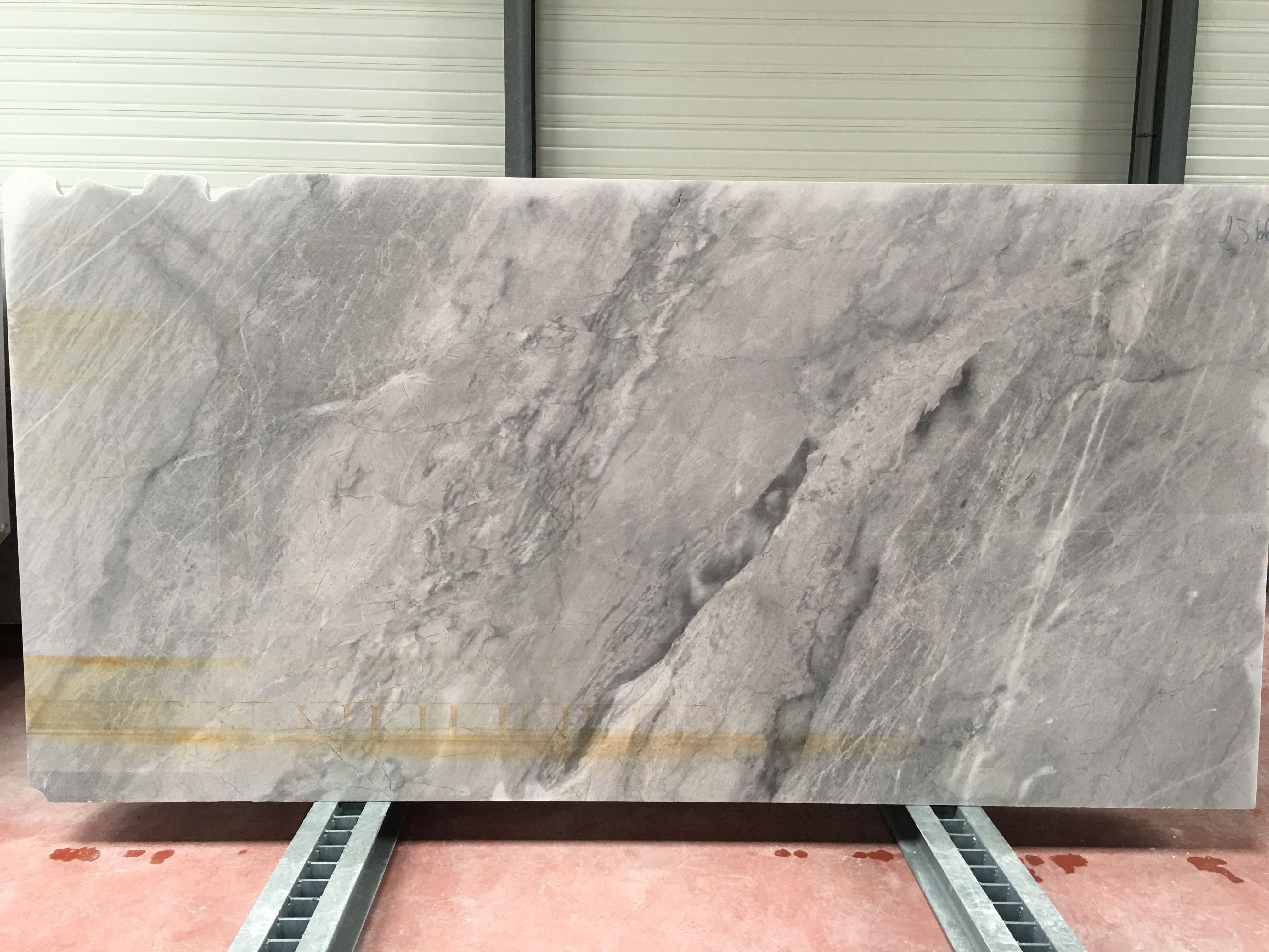 Tranches De Marbre Gris Bleute De Savoie Marbre Marbre Gris Granit