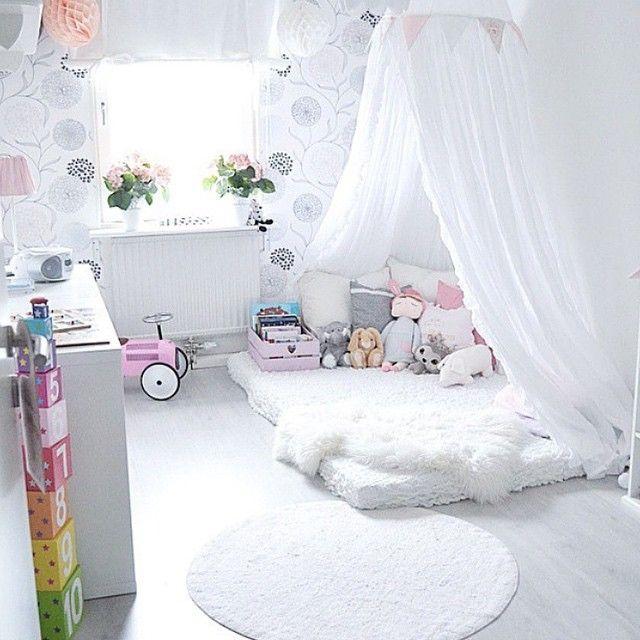En liten myshörna hemma hos @jagochmitthjarta ❤ #barnrumsinspo ...