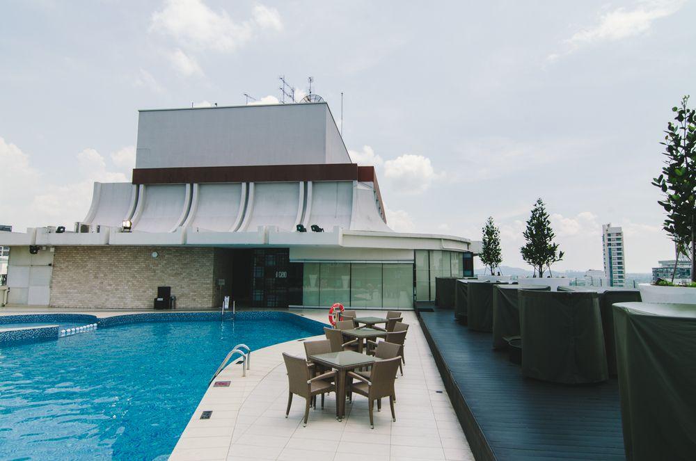 Hilton hotels & Resorts gives 25% discount at Singapore