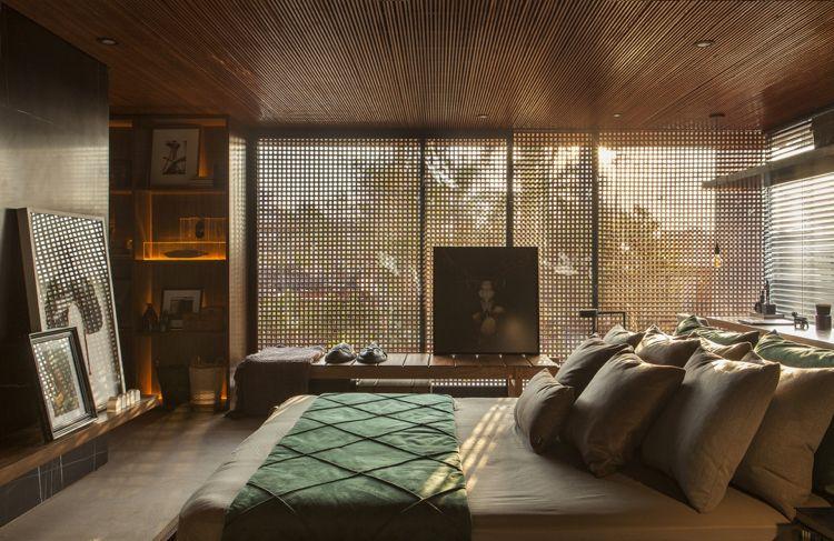Sichtschutz Innen Holzgitter Fenster Schlafzimmer Holzmöbel  Deckeverkleidung #luxury #house #doors #windows