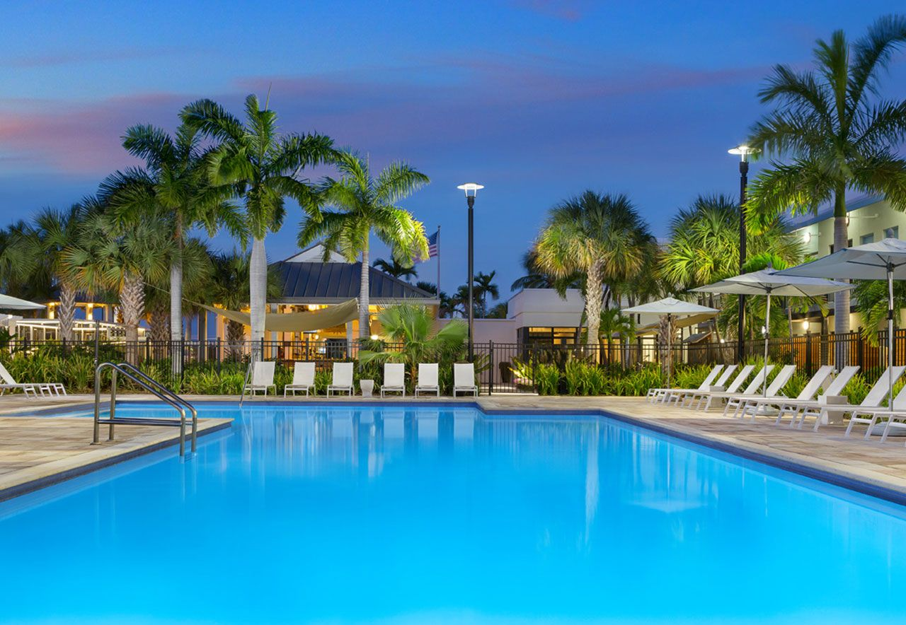 Hotels In Key West >> The Gates Hotel Key West T R A V E L Key West Florida Hotels