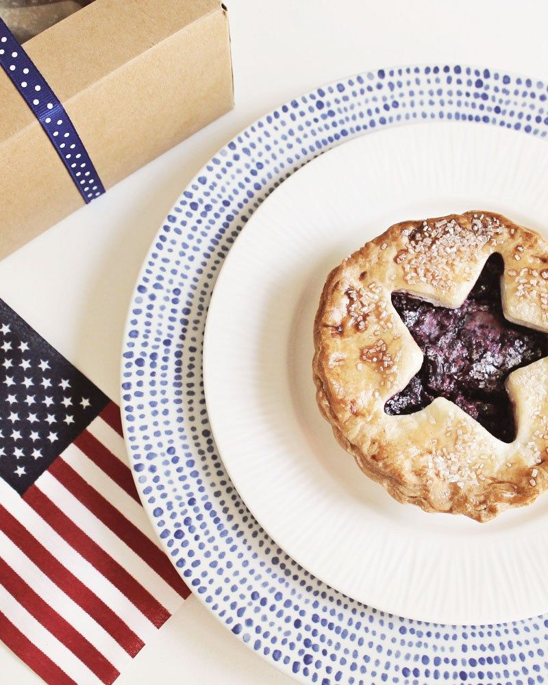 4th of July Mini Pie Favors | Pies, Favors and Minis