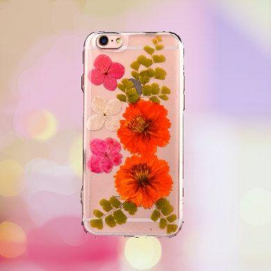 Pressed Flower Phone Case  Samsung & iPhone by BlossomAndBronze
