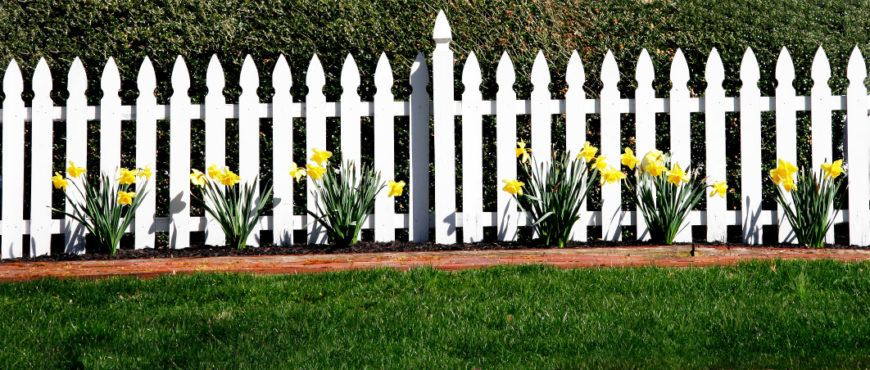 26 White Picket Fence Ideas And Designs Fence Art Fence Design