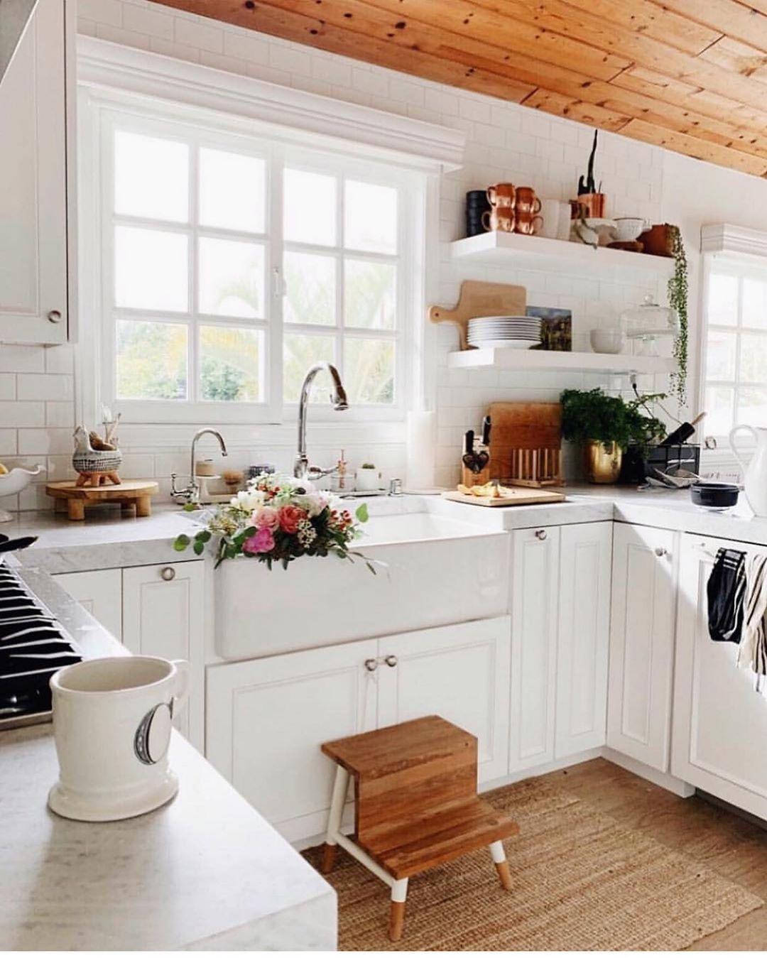 pretty little interior on instagram the perfect farmhouse chic kitchen via christinajwarren on farmhouse kitchen small id=81753