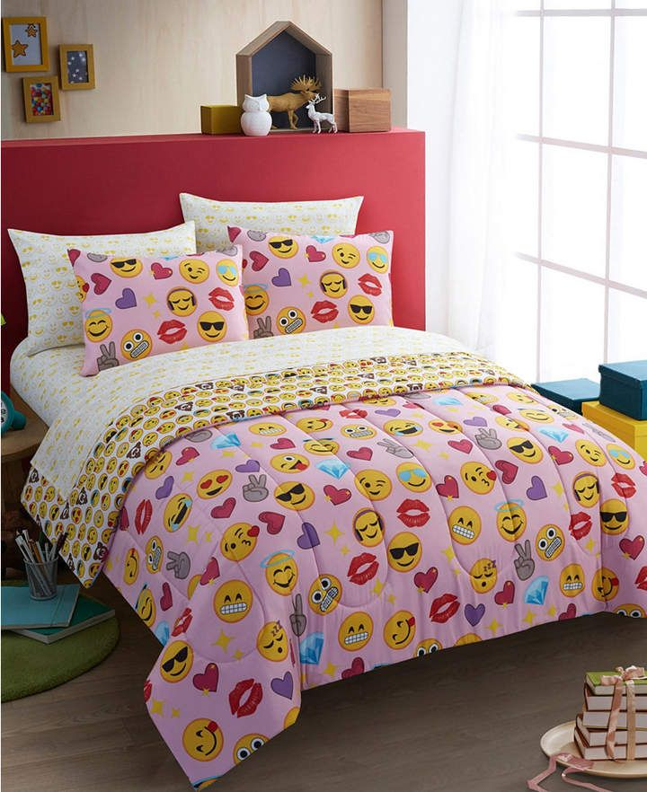 Idea Nuova Emoji Pals Bling Bed In A Bag Light Pink Twin Bedding