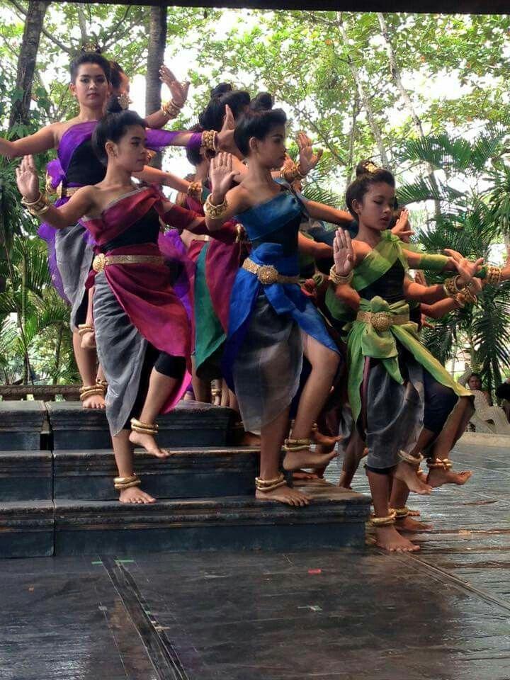 Dance absara