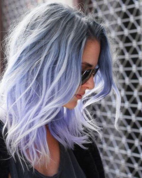 Smoky Lilac Est La Couleur De Cheveux Grunge Glam Que Vous Devriez