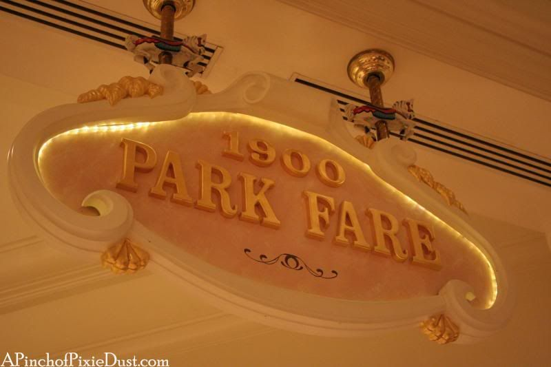 A Pinch of Pixie Dust: Lovely Strawberry Soup and 1900 Park Fare Dinner Buffet
