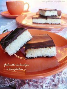 Roppanós csokoládé között nagyon finom kókuszos töltelék, hmmm... eltudjátok képzelni? A kókusz és a csokoládé mindig jó párosítás, emiatt...