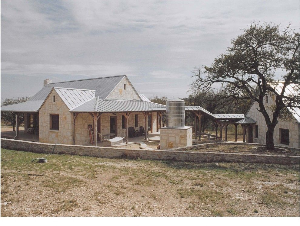 Texas Hill Country House Ranch House Exterior Limestone House Hill Country Homes