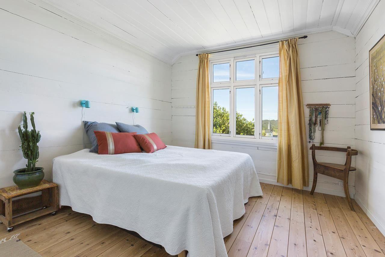 Photo of (2) ASK – Utrolig hus med vakker hage og utsikt. Landlige, men allikevel sentrale …